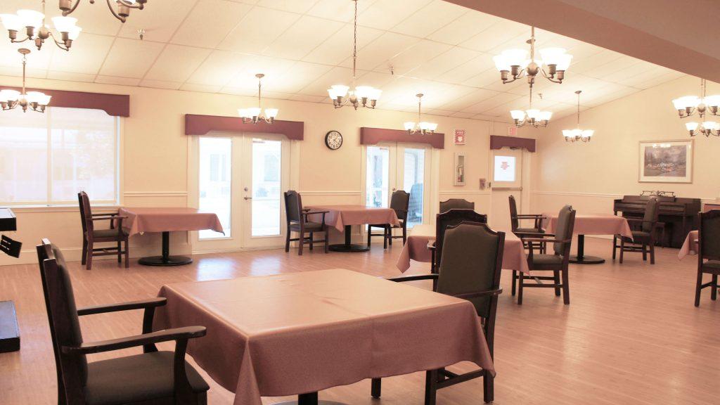 windsor-woods-dining-area-03